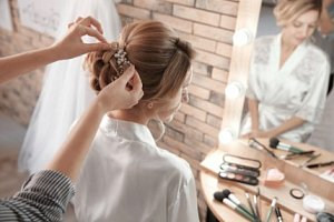 Bridal hair course
