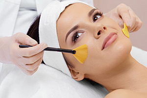 Facial & chemical peel course